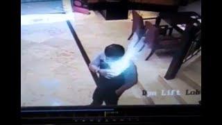 Video Detik detik hp Samsung Grand Duos Meledak di Saku Pria di Mall Semarang download MP3, 3GP, MP4, WEBM, AVI, FLV Januari 2018