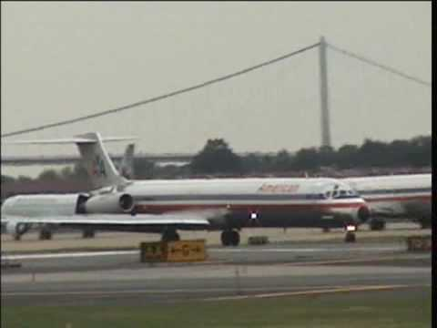 Spotting at LaGuardia Airport - September 30, 2006