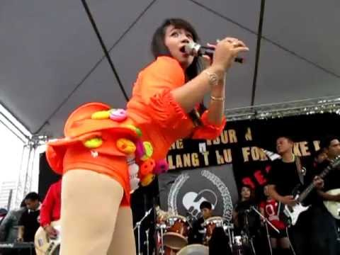 Konser Reny Farida di taiwan_ada bayangmu_BHne ucol