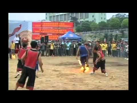 Chinese athletes play 'Fireball' - basketball on fire