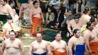 2012年5月6日(日)、5月場所初日に行ってきました! 西幕内力士土俵入り...