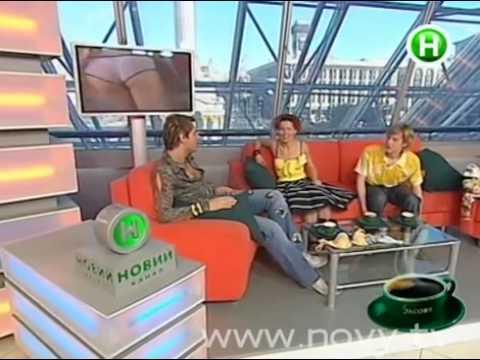 Настя Касилова примерила бюстгальтер в прямом эфире
