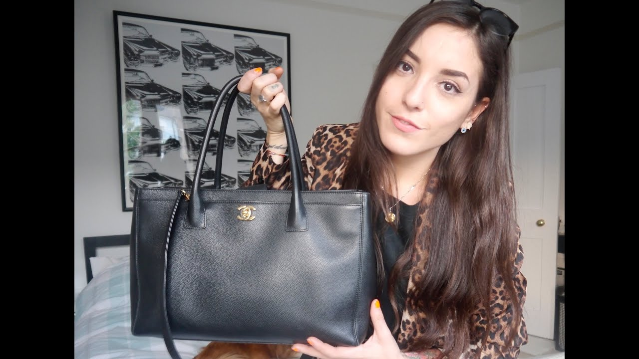 76d8035f4b4039 Bag Review Nº3: Chanel Executive/Cerf tote | SoTotallyVlog - YouTube