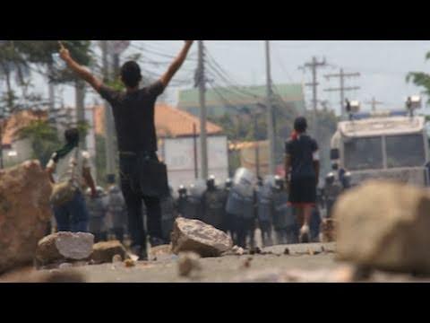 Honduran Students Defend Occupied National University / Estudiantes Defienden La UNAH en Tegucigalpa