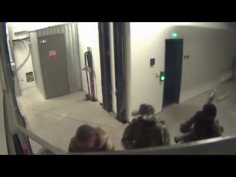 SBU Officer Helped Insurgents To Get Into Donetsk Airport: CCTV shows SBU officer helping insurgents