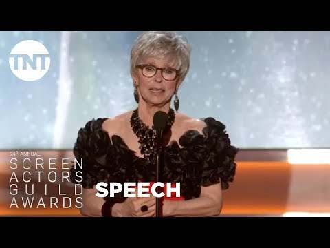 Rita Moreno duces Morgan Freeman  24th Annual SAG Awards  TNT