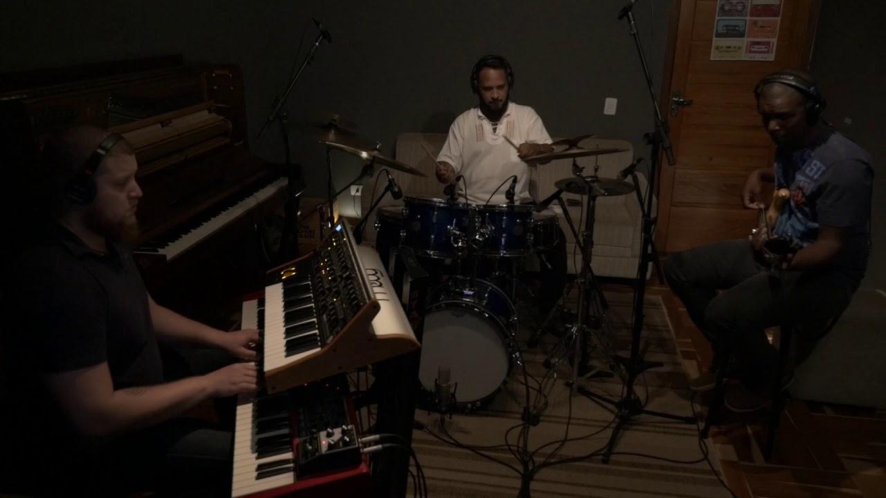 Fabrício Martins - Monday (Trio)