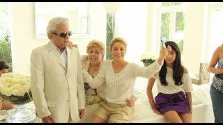 "Shakira y su padre, William Mebarak, graban ""Hay Amores"" / Shakira & her dad record 'Hay Amores"""