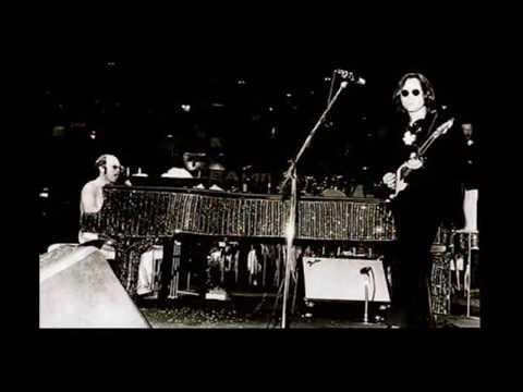 John Lennon & Elton John - Whatever Gets You Thru The Night (Live MSG 1974)