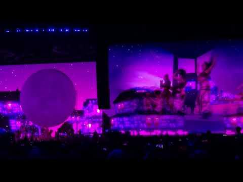 Ariana Grande - 7 Rings  - Coachella 2019 Weekend 1