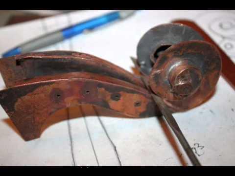 Скрипка из медного листа