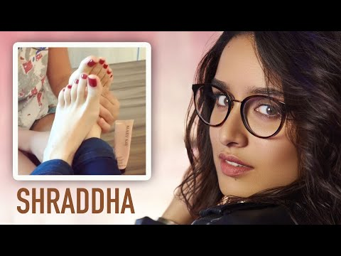 SHRADDHA KAPOOR FEET 💖 Foot MASSAGE Video gone Viral 💖 MUST WATCH! 😍 thumbnail