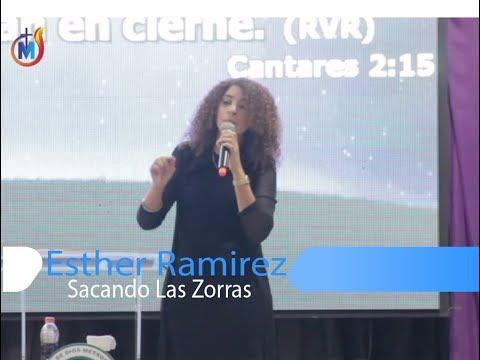 Esther Ramirez-Sacando las Zorras