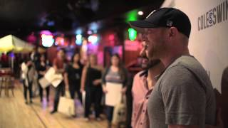 "Cole Swindell - ""Kiss"" (Live Video)"