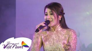 Bản sao Như Quỳnh hát Em Đi Trên Cỏ Non cực ngọt - Tố My (Official)