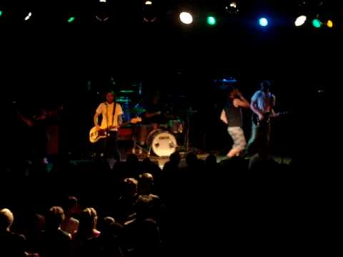 Destroy The Runner - Crumbs for the Murder *Live at the Glass House in Pomona, CA.
