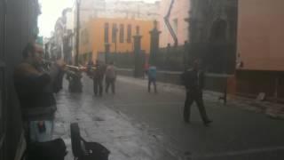 Jhiens Panta, jazz en trompeta bajo la neblina de invierno. Lima, Perú.