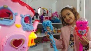 elif ile eski evdeyiz yine oyuncaklardan seçiyoruz eğlenceli çocuk videosu