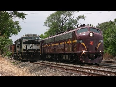 Pennsylvania Railroad E8's on the Norfolk Southern Harrisburg Line