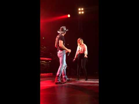 Tim McGraw and daughter Gracie Duet Full Video Nashville 8-15-15
