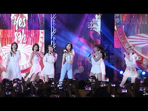 "181201 TWICE ""YES or YES"" Fancam Guam 괌 K-Pop Concert 트와이스 직캠 Lotte Duty Free"