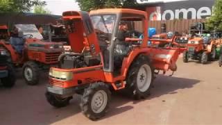 Traktor ogrodniczy Kubota GT3. napęd 4x4. www.akant-ogrody.pl
