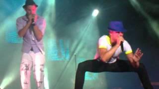 Andy & Lucas feria de Málaga -Tú lo que buscas es un novio (15-8-2011)