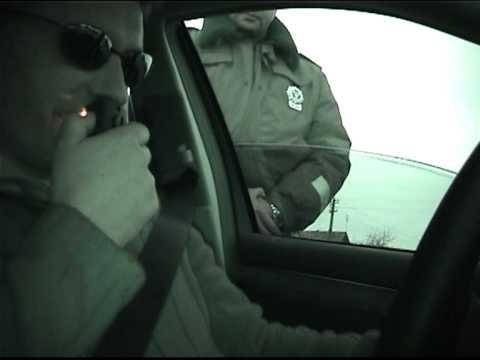 M.Juškauskas gerina policiją. Meluoja, kad lemputė nedega, Lietuvos patrulių rinktinė 2006.