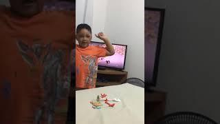 Montando novo brinquedo: Garfinho
