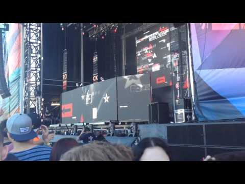 Afrojack drops Miley Cyrus' - Wrecking Ball (Afrojack Remix) @ Stereosonic 2013