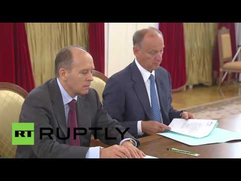 Russia: Putin meets Security Council to discuss humanitarian situation in Syria
