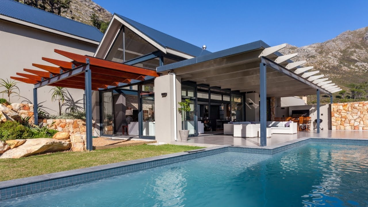 Top Billing tours the stunning Francois home in Hout Bay  6b51c6d9007