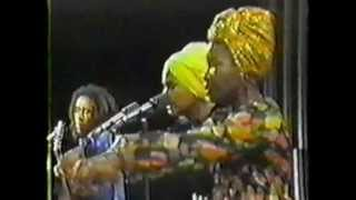 bob marley & the wailers - kinky reggae (live at the manhattan transfer show - 1975)