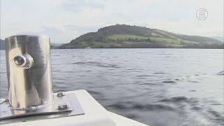 На поиски логова лох-несского чудовища отправился подводный дрон (новости)(http://ntdtv.ru/ На поиски логова лох-несского чудовища отправился подводный дрон. Воды озера Лох-Несс в Шотландии..., 2016-04-16T07:48:40.000Z)