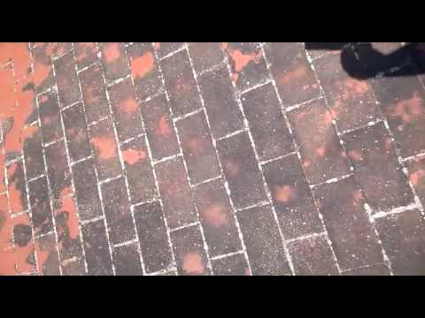 Come Pulire Le Piastrelle Di Terracotta : Intervento di pulizia pavimento in cotto prima youtube