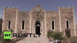 Разрушенная боевиками церковь XV века в Сирии