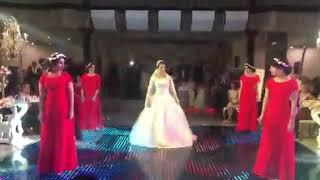 رقص عروس و ساقدوش ها با اهنگ لیلا یار شیرین