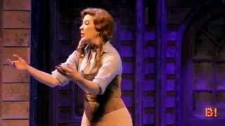 """Claudia Raia canta """"Alguém que olhe por mim"""" em """"Crazy For You - O Musical"""""""