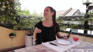 HTC One Life con Tess Masazza - A pranzo da un'amica 4/5
