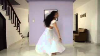 Watch Tatiana P Duque learn Aaja Nachle with Madhuri Dixit