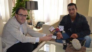 Antonio Morcillo, recibido por el alcalde tras proclamarse campeón del mundo de fisioculturismo natu