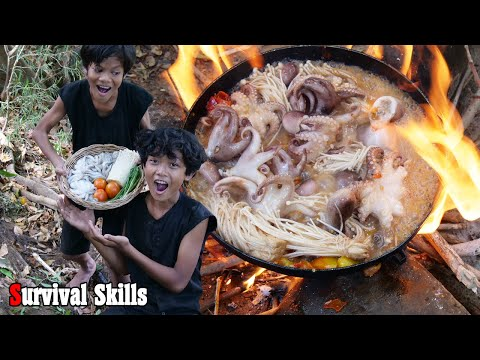 Survival Skills Primitive - Cooking octopus with tomato and eating for Lunch ep0035