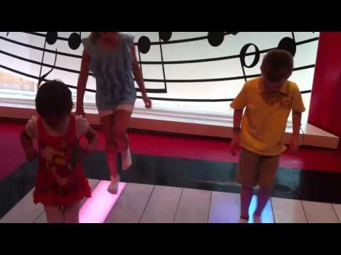 fao schwarz big piano instructions