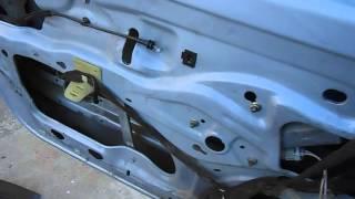 Dégraissage moteur leve vitre porte conducteur clio 2