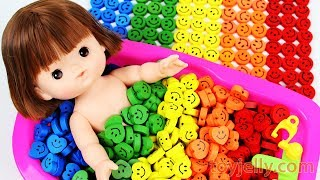 Baby Doll Smiley Candy Bath Time Learn Colors for KID Children Finger Family Song Nursery Rhymes