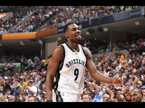 Tony Allen Soars for the Smash in the Grindhouse