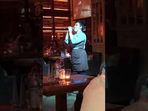 Вот так поют в ресторане Санкт-Петербурга под названием Рибай официанты!!!! (Syuzanna Manukyan)
