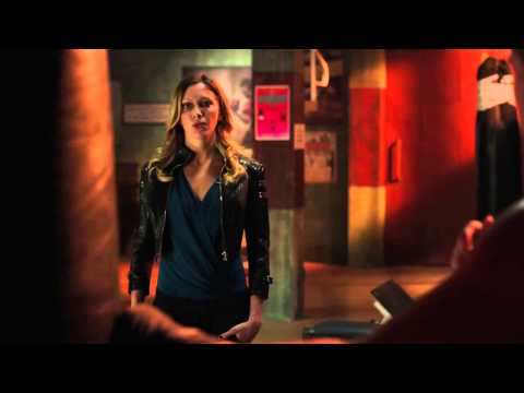 Arrow - 3x03 - Laurel goes back to Ted