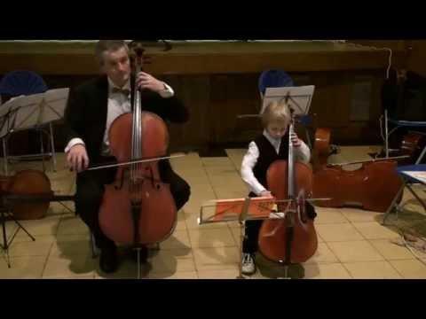 cours de violoncelle maxime 6 ans en duo avec son professeur youtube. Black Bedroom Furniture Sets. Home Design Ideas