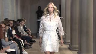 Spring 2016 Fashion Show | Carolina Herrera New York